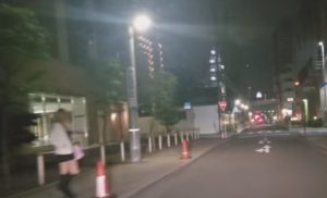ファミリーマート名古屋栄一丁目店のところにいるたちんぼ