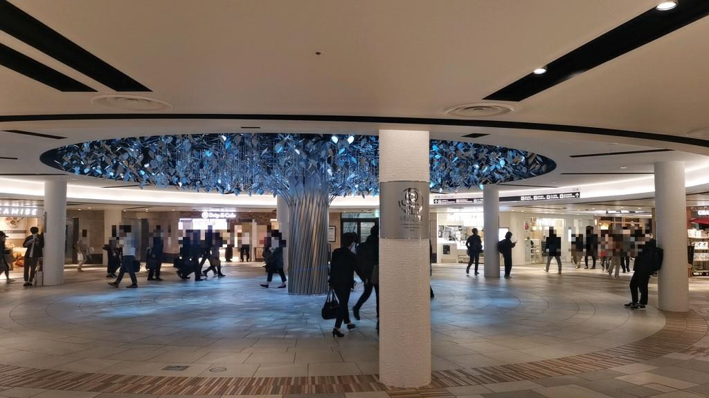 梅田のたちんぼスポットである「泉の広場」
