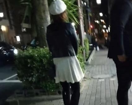 三角公園周辺で客引きするたちんぼ①