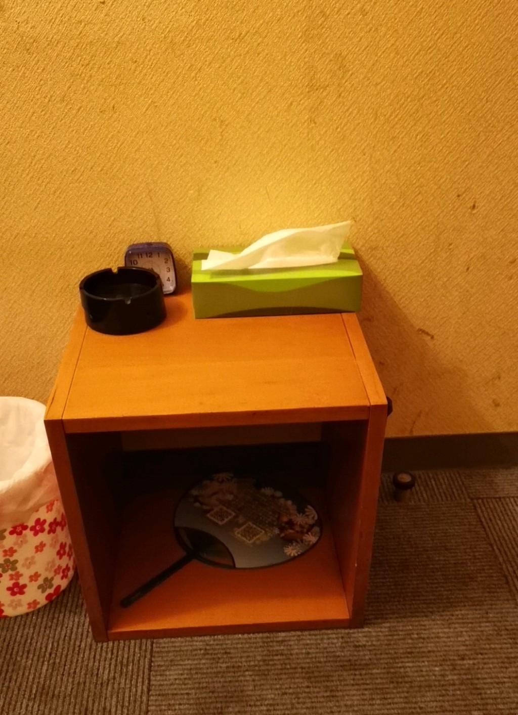 浅草橋アクアクラブの個室の棚