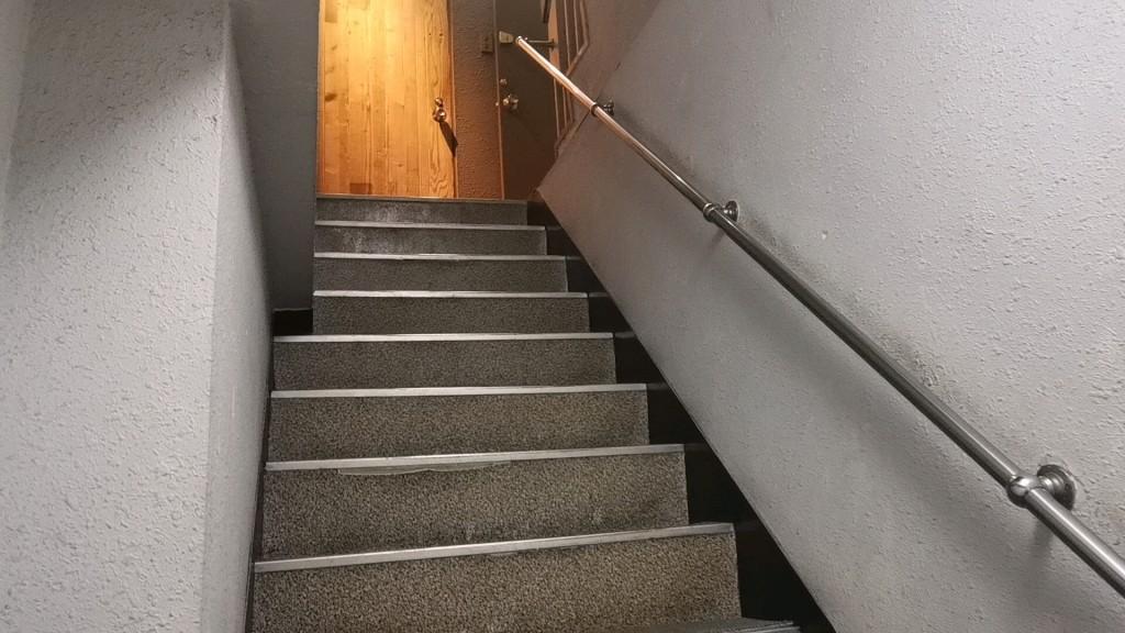 Jewerlyに向かう階段